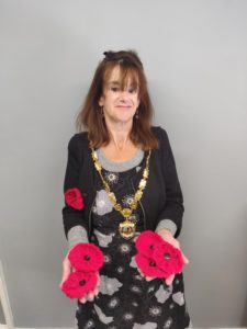 Mayoral Picture With Poppies